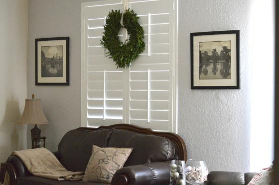 stella minded Boxwood Wreath - living room